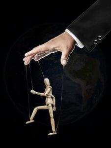 Wat is manipuleren? Welke manipulatie technieken gebruikt een narcist?