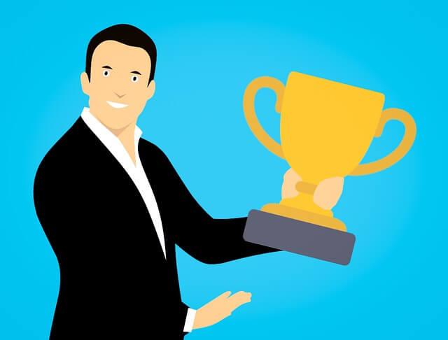 Als de partner van een narcist een pronkstuk is en dient als een trofee. de trophy wife of husband.